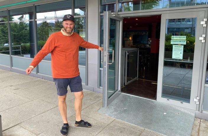 VELKOMMEN TILBAKE: Går det som Dan Eriksson tror håper, er restauranten klar for lokalbefolkningen rundt neste helg.