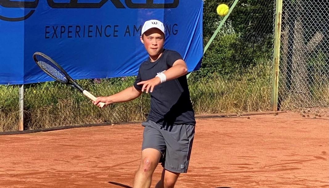 KLAR FOR EM: Jon William Karlstad fra Greverud er klar for å måle krefter mot andre europeiske tennistalenter.