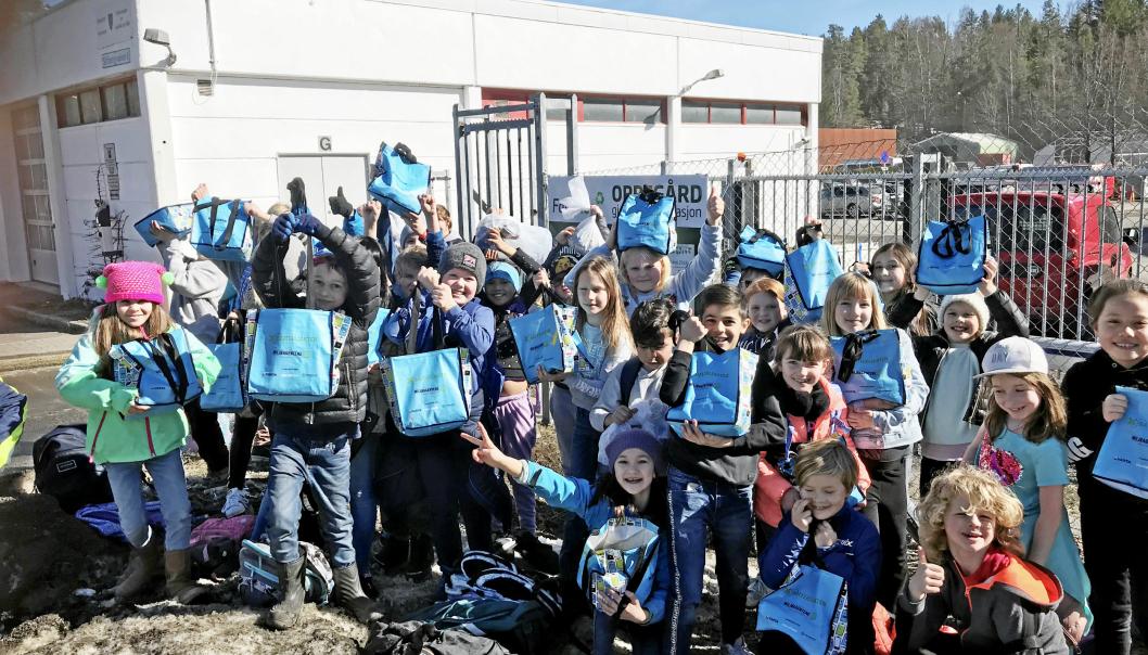FREMTIDEN: Skribenten av innlegget vil hylle barn og unge. Her er det barn fra Tårnåsen skole som viser miljøengasjement.