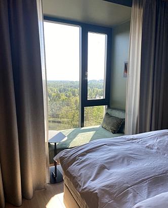 NYDELIG UTSIKT: Rommet vi fikk lå i sjuende etasje med utsikt mot Oppegård syd.