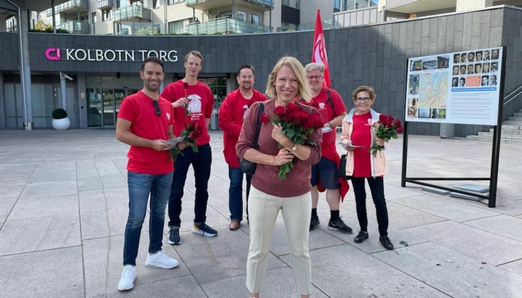 PÅ FRIERFERD: Anniken Huitfeldt besøkte Kolbotn Torg i går.