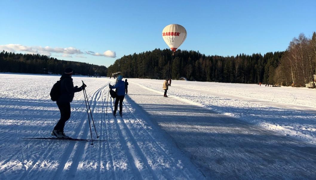 FANTASTISK TILBUD: Godt hjulpet av en stabil, norsk vinter, sørget Baumberger & co for silkeføre både for ski- og skøytegåere i vinter.