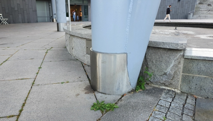 FORTSATT MYE UGRESS: Slik fremstod den mest sentrale plassen i gamle Oppegård fredag forrige uke.