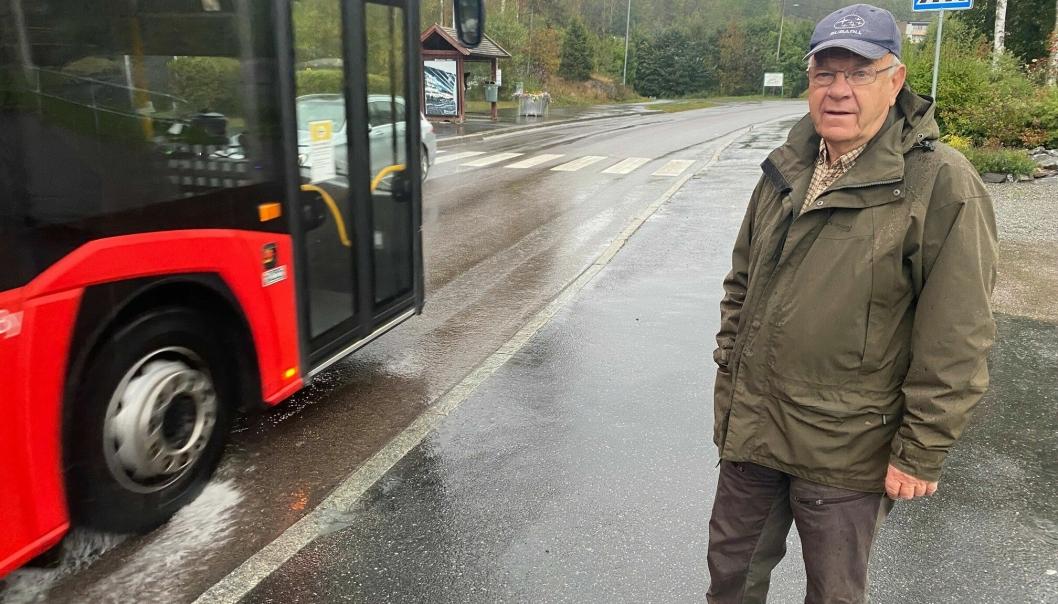 STYRELEDER: Rolf Arnesen er styreleder i Kornmoenga borettslag og har sett mange farlige situasjoner de siste årene.