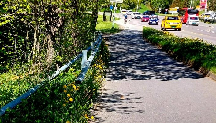 MELDTE INN: Dette bildet ble tatt for fire måneder siden da Kjell Evensen kontaktet kommunen og SVV.