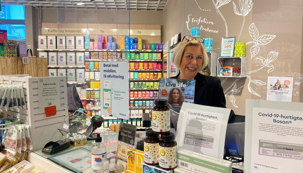 BUTIKKSJEF: Jane Maren Engen er butikksjef på helsekostbutikken Life.