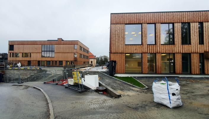 SLIK SER DE UT: Slik ser de nye skolebyggene sett fra hovedinngangen i nord. Foto: Yana Stubberudlien
