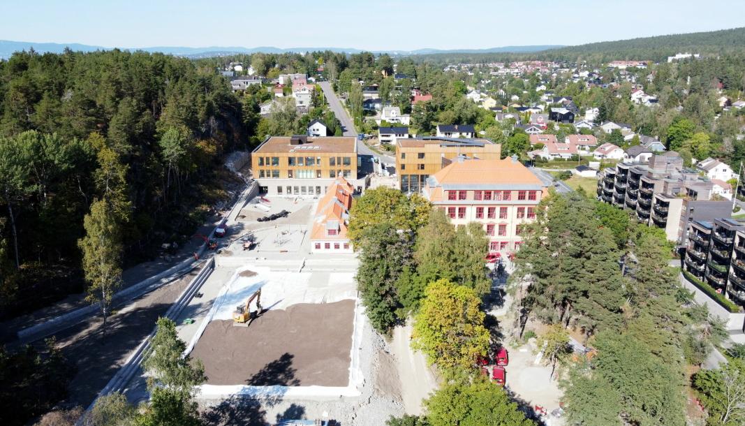 NY KOLBOTN SKOLE: Prosjektet med ny Kolbotn skole er i rute. Dette tilsier at skolen og idretten kan ta de nye byggene i bruk mandag 15. november. Bildet viser hvordan prosjektet så ut ut for to uker siden.