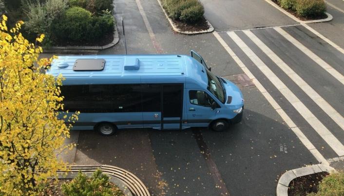 MÅ SØKE KOMMUNEN: Har du behov for å komme inn på Jan Baalsruds plass med bil, må du søke kommunen om dette.